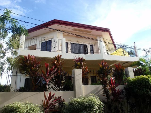 4 bedroom house with Panoramic view