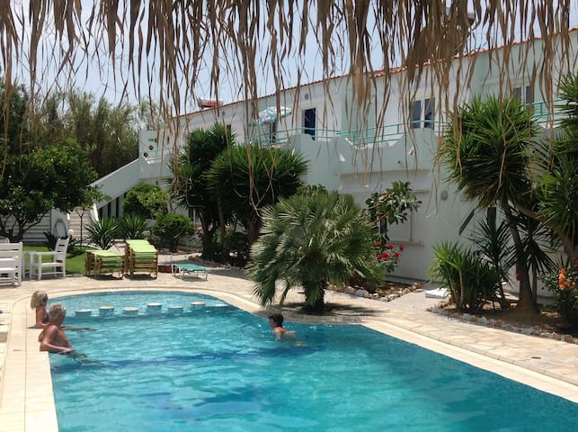 Family apartment 15 km from Chania - Maleme
