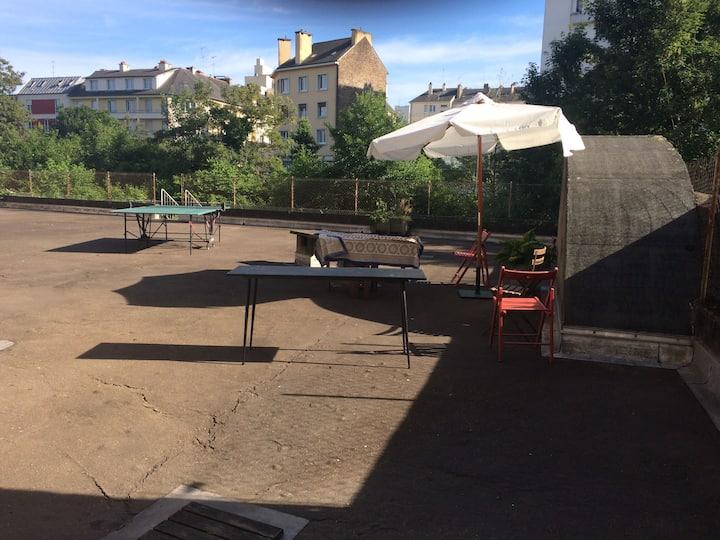 Appartement plein centre avec terrasse et jardin