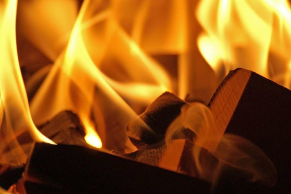 Wood stove (poêle à bois)