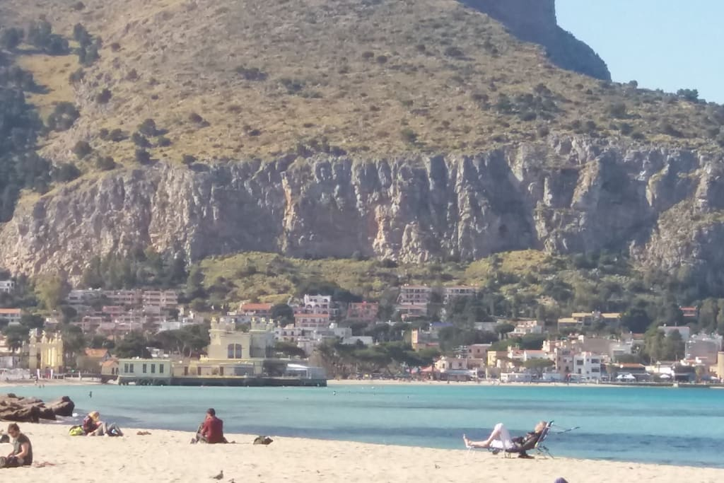 mondello little city 15 minutes from the city
