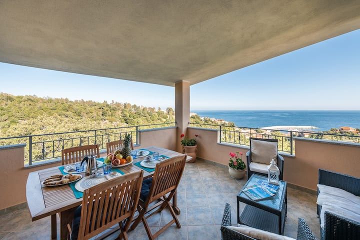 CASA PARADISO: New house with sea view paradise
