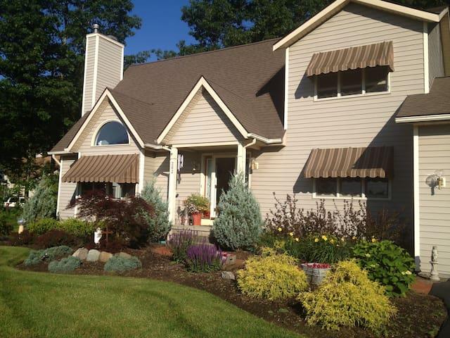 Casa LaValley II - Schenectady - บ้าน