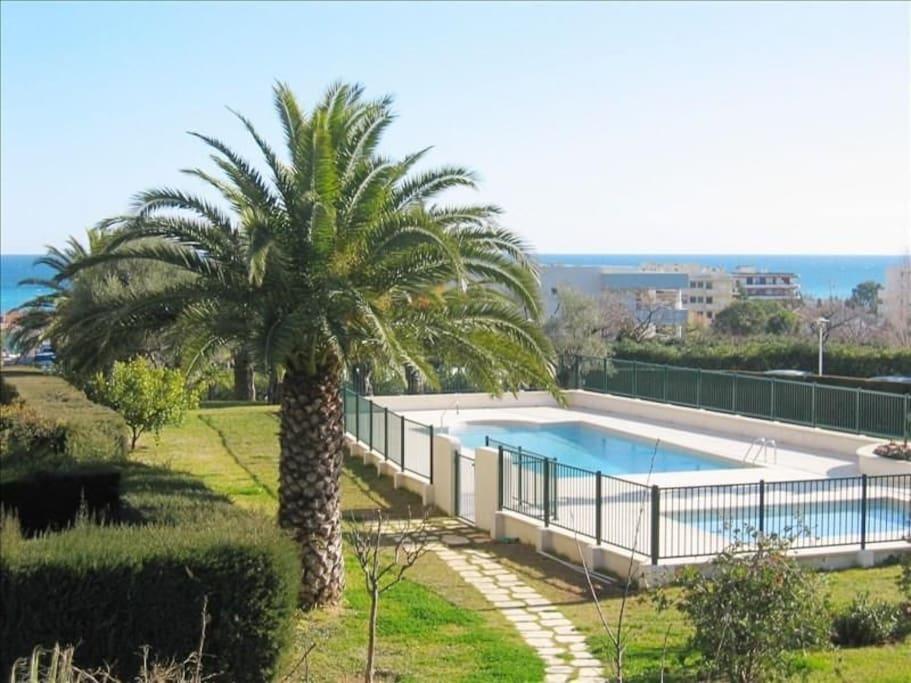 Residence avec piscine privee