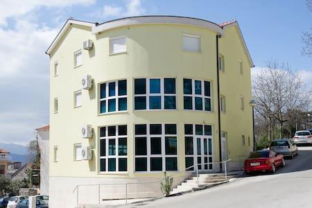 Apartments (****) Imotski - Imotski