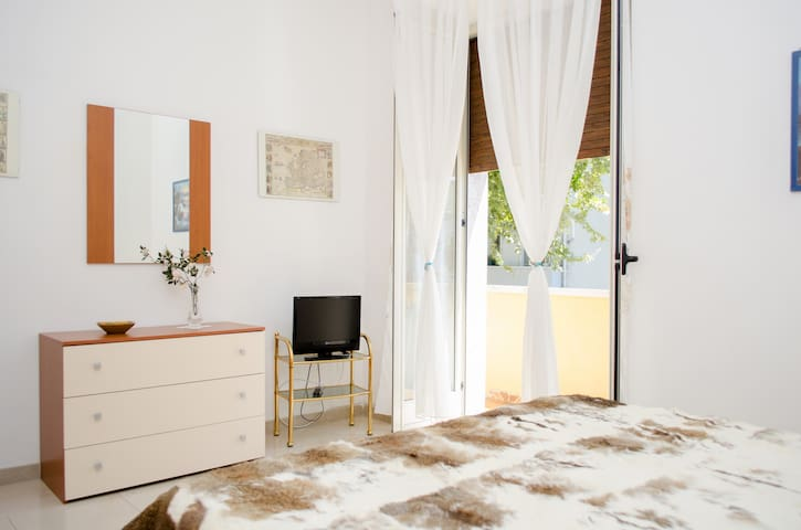 "Studio ""NelCuorediReggio"" + WiFi, air conditioning"