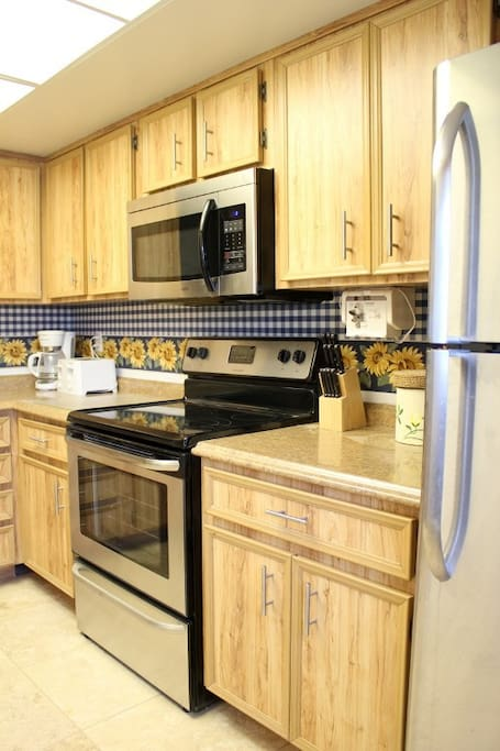 Full kitchen with new stainless steel appliances
