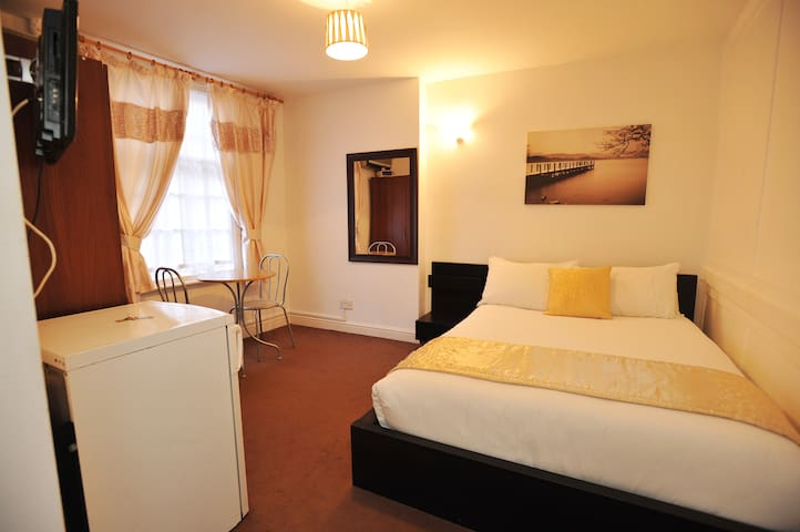 Lovely double room great location   - City of London - Apartment