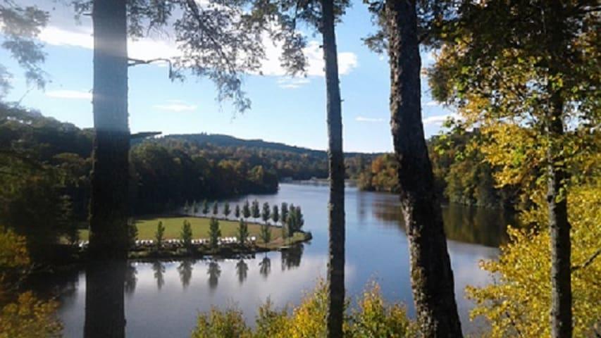 Linville NC Lake View home 16 min to Sugar skiing!