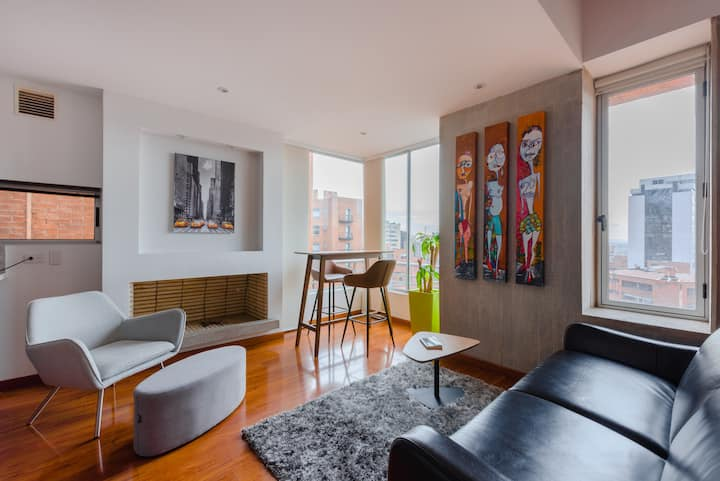 Amazing 1BD duplex with gym & pool for long stays
