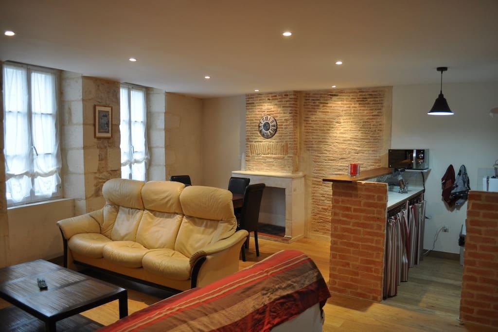 flat 40m2 in la rochelle center appartements louer. Black Bedroom Furniture Sets. Home Design Ideas