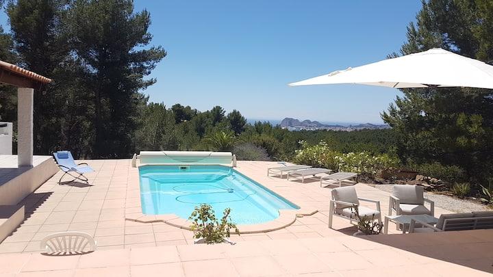 Villa d'exception, vue mer, piscine chauffée