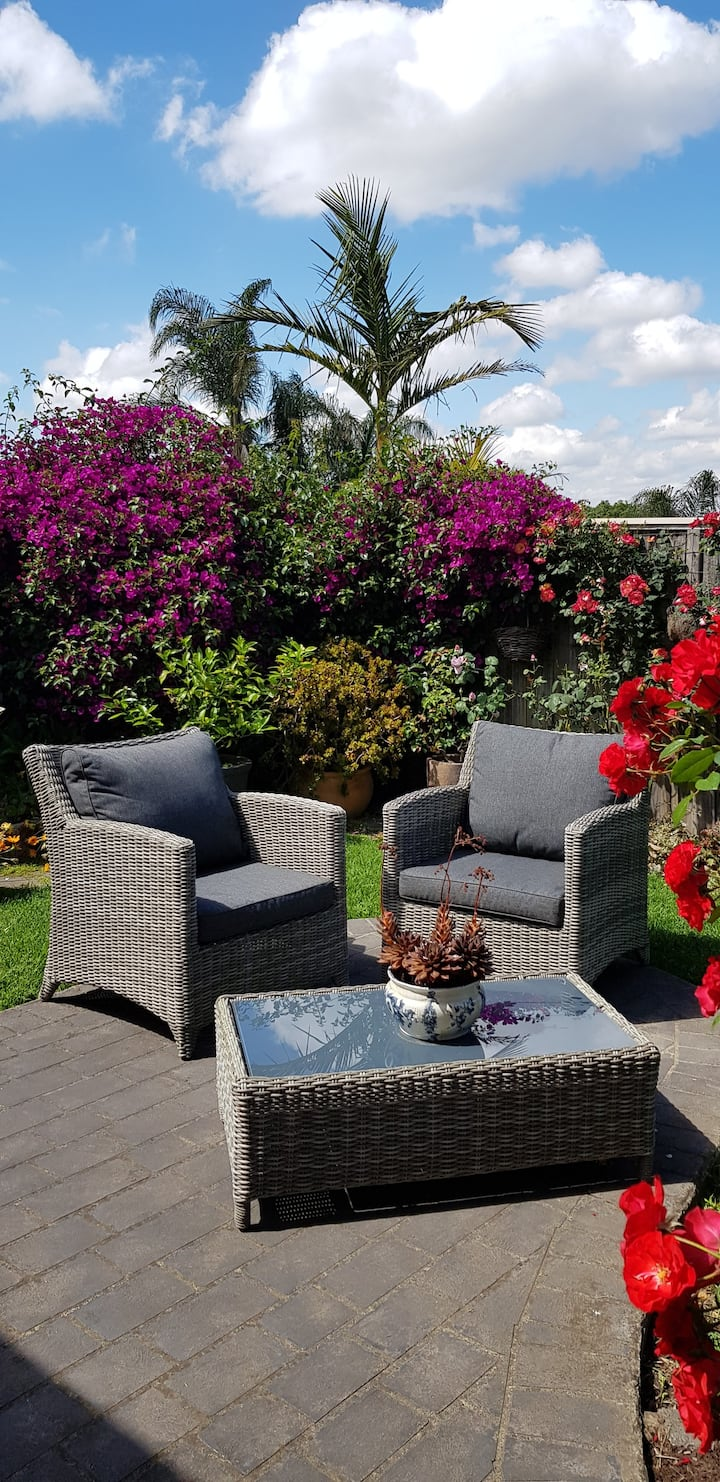 Spacious garden apartment