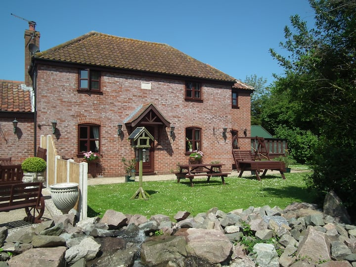 Stunning  Farmhouse, Norfolk Broads