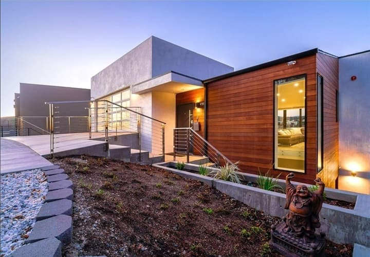 The Jewel On The Hill: A Modern Urban Experience