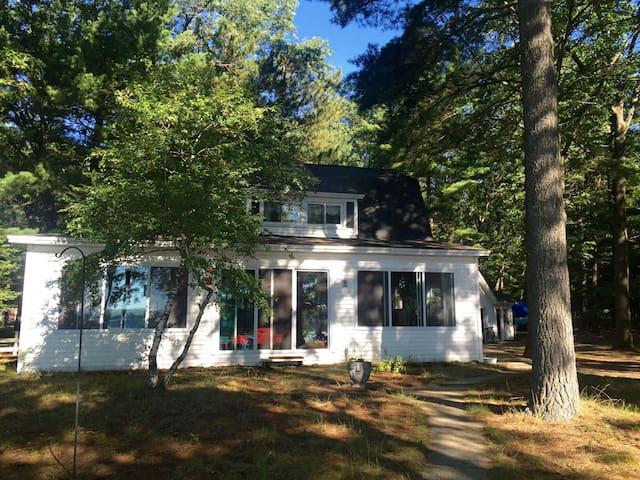 Classic lakeside Cottage, Michigan - Baldwin - Casa