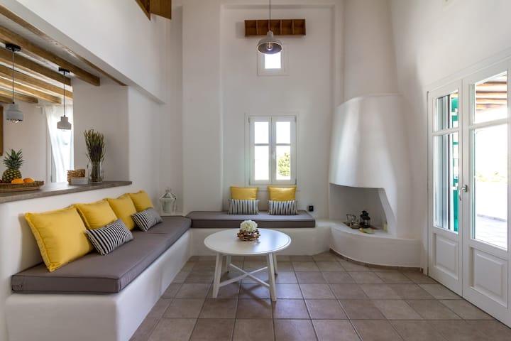 Mykonos Oneiro, your dreamhouse in Ornos.