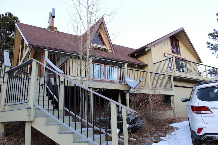 Estes Park/Allenspark: Private 4 bdrm, 2 1/2 bath