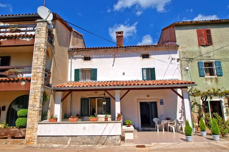 """1009"" House for 7 people - Smoljanci - Talo"