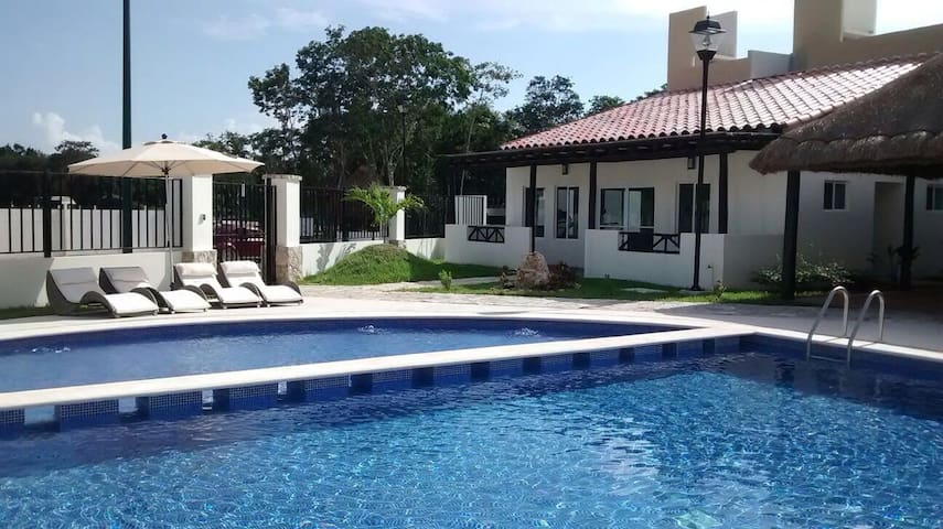 NewReal Ibiza Plus Wifi-A/C- Pool-Gym-Parking-BBQ - Playa del Carmen - Huis