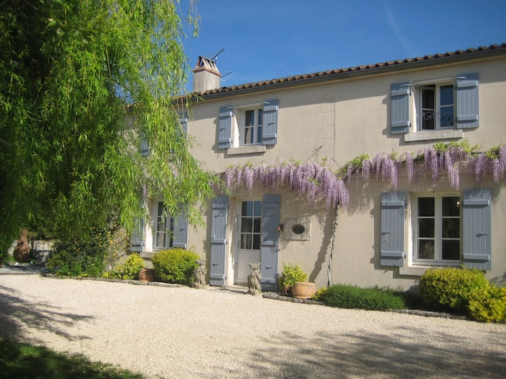 Bed and Breakfast in centre of historical village.