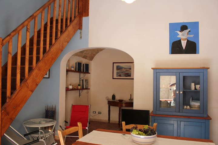 MAGRITTE HOUSE - Castellammare del Golfo - Hus
