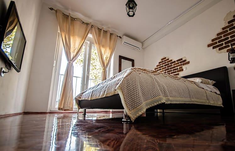 """Apartment """"Rustic Barkajol"""" Center"""