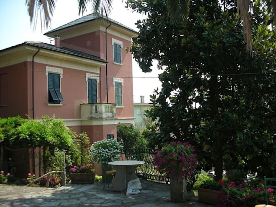 View of villa from the side