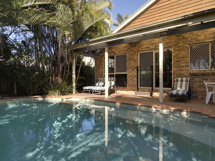 Palms Beach House Dogfriendly, WiFi, Pool