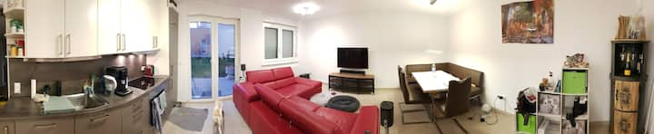 Tolle 2 Zimmer-Wohnung mit 90qm Garten