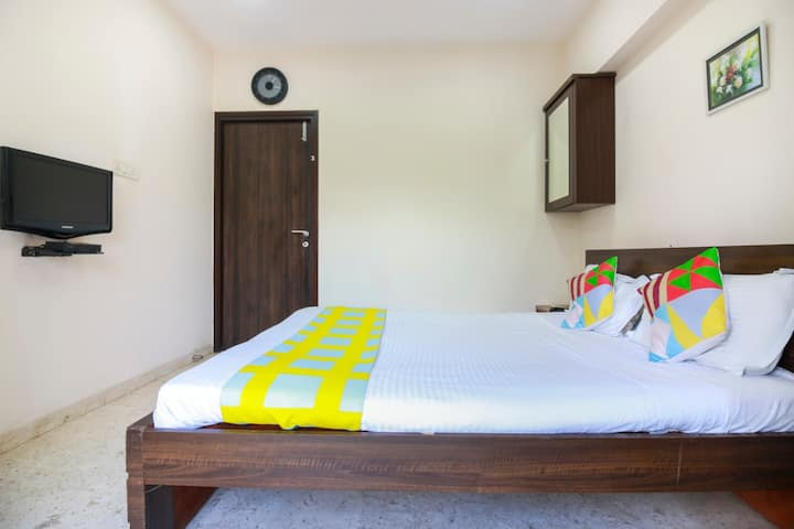 Cozy room at Kalina with WiFi/AC - near Airport