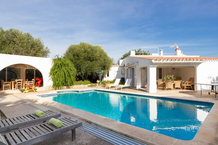 Villa with 3 Beds Full Air Con and Private Pool