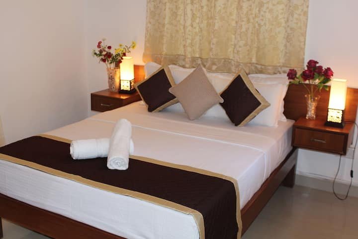 AC Superior Suite Room in Goa near the beach 1