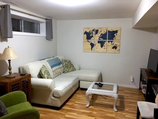 Cozy & Bright Basement Suite in North East Barrie