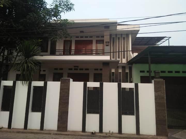Cozy house in Pekayon, Bekasi