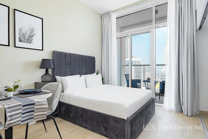 LUX   Master bedroom