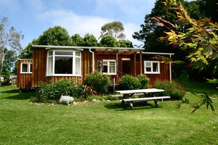Hillside Cottage in retreat environment - Clifton - Ev