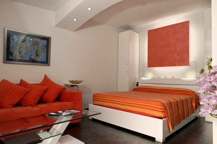 Sweet Suite in Rome 10 minutes to the City Centre - Rzym - Dom wakacyjny