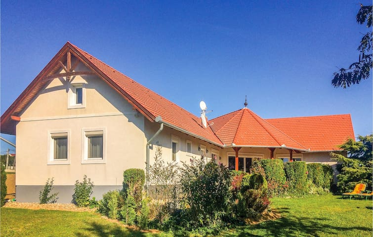 Holiday apartment with 2 bedrooms on 50m² in Cserszegtomaj