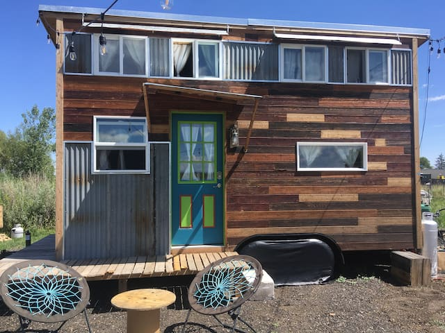 Incredible Tiny House at Brilliant C Acres!