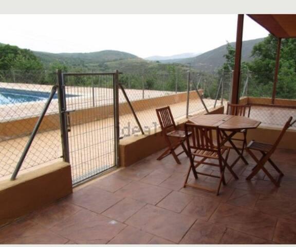 Cómoda casa al pie de la Plataforma de Gredos