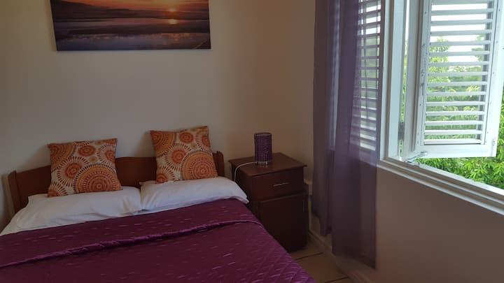 Villa Stella Maris- The Purple Room