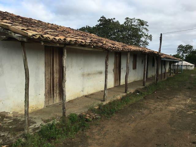 Brasilianisches Bauernhaus - Petim - Talo