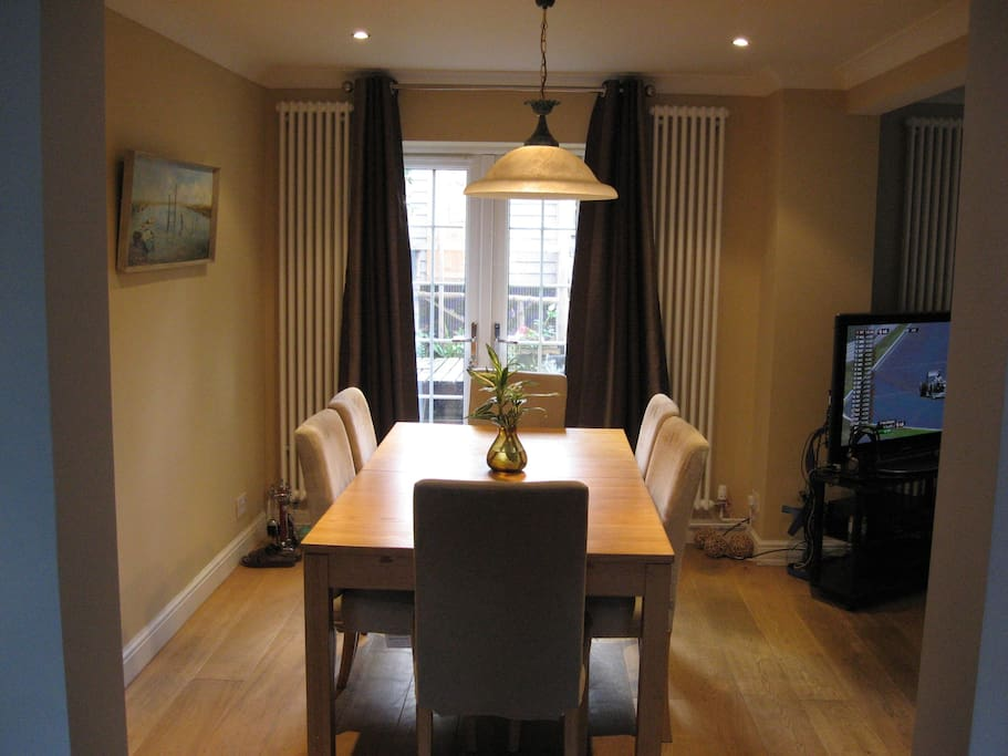 Lovely Detached House In Harpenden Houses For Rent In