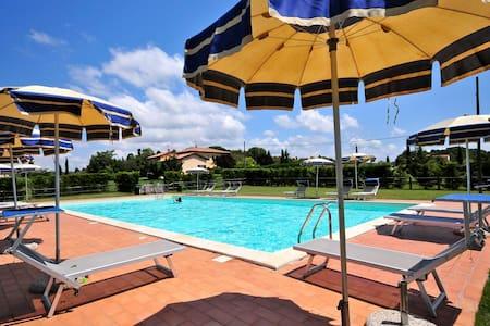 Bilocali 4 pax Collemezzano con piscina - Cecina
