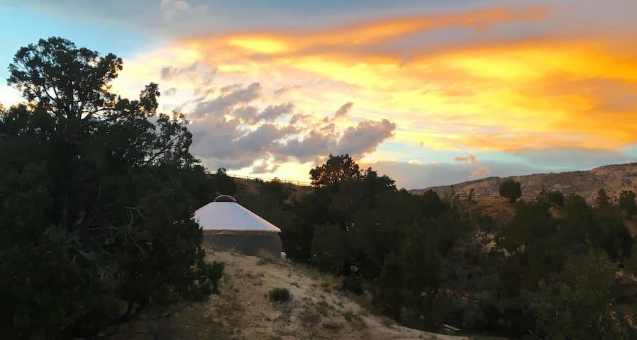 Escalante Yurt Lodging (Aspen yurt)