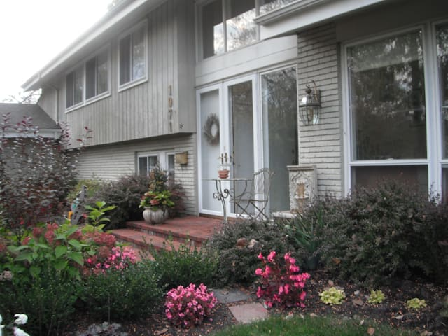 Late Summer Front of House