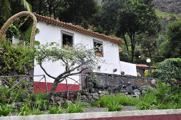 CASA DA TERCA COTTAGE - PRIVATE - Ribeira Brava - Huis
