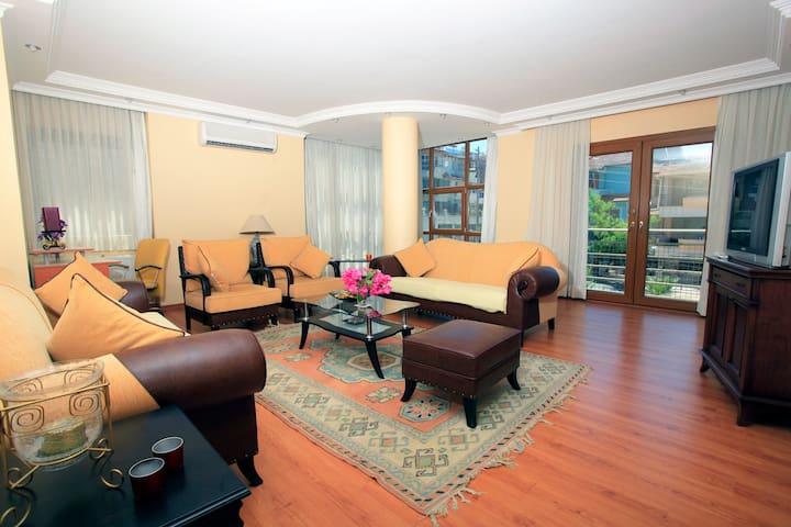 Beautiful Central Apartment - Kusadasi - Apartamento
