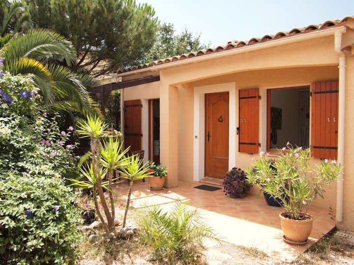 1 bedroom closed to Hyeres, Riviera
